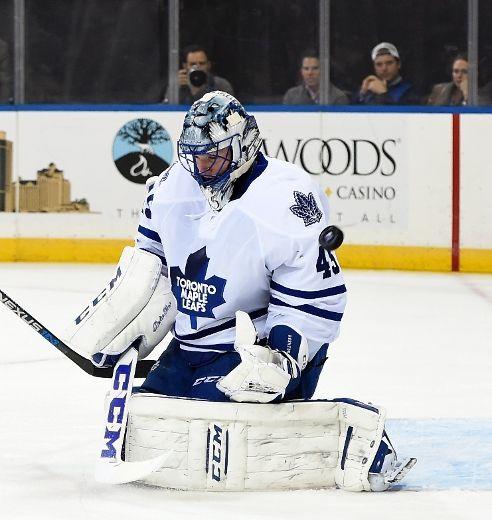 Maple Leafs goalie Jonathan Bernier burns for return