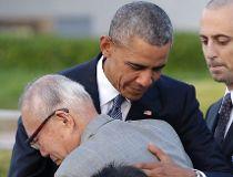 Barack Obama hugs Shigeaki Mori