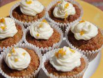 Carrot and quinoa mini-muffins