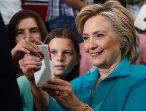 Hillary Clinton selfie