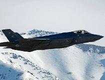 A F-35 fighter jet